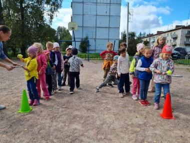 Фото детей на спортивной эстафете